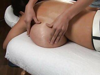 Червоний допомагає Дехаті сексуальний масаж дивай відео з ножем